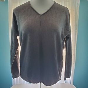 Women's gray ombre v-neck sweater